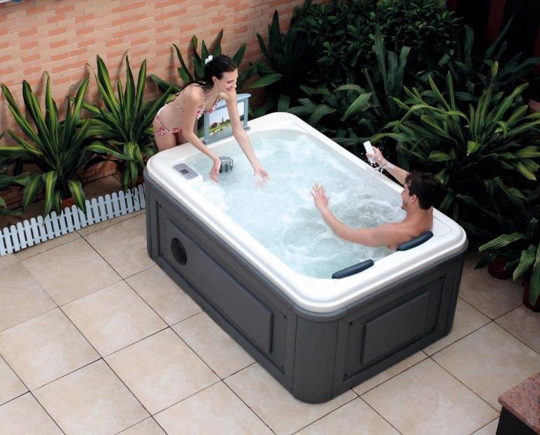 Outdoor Hot Tub Spa Backyard Design Ideas