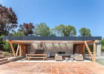 Outdoor Living Its Breezy Best Modern Beach Pavilion