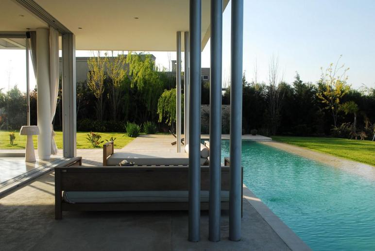 Outdoor Living Pool Modern Riverside House Buenos