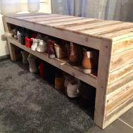 Pallet Bench Has Two Shoe Storage Shelves 1001 Pallets