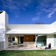 Post War House Melbourne Gets Cheerful Modern