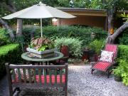 Quick Chic Outdoor Decorating Tips