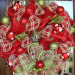 43 Cool Red Wreaths For Christmas That Offer A Unique Experience Images Decoratorist