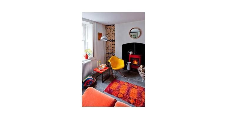 Retro Living Room Interior Design Inspiration