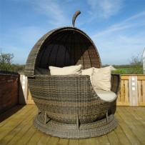 Rotating Rattan Apple Outdoor Daybed Cappuccino