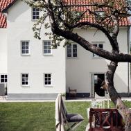 Scandinavian Minimalist Country Home Rue