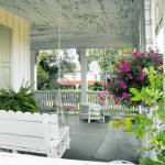 Shabby Chic Decorating Ideas Porches Gardens