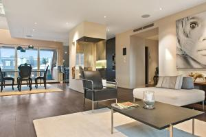Spacious Comfortable Loft Apartment Stockholm
