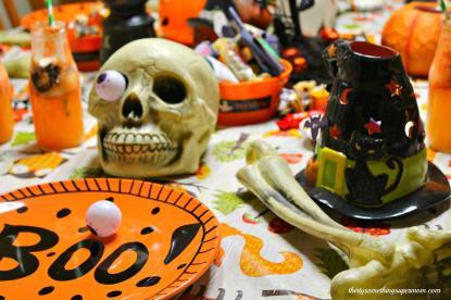 Spooky Halloween Party Tablescape Ideas