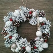 White Christmas Wreath Pine Cone Acorn Walnut Diy