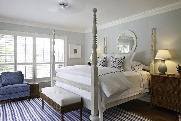 Gray 4 Poster Bed Transitional Bedroom