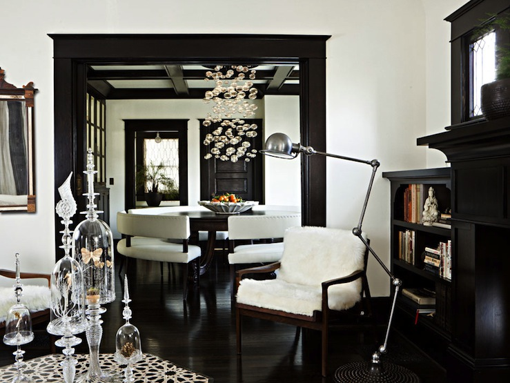 Glossy black trim, via Roomlust