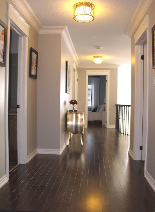 Red Oak Floor Transitional Entrancefoyer Benjamin Moore Revere Pewter AM Dolce Vita