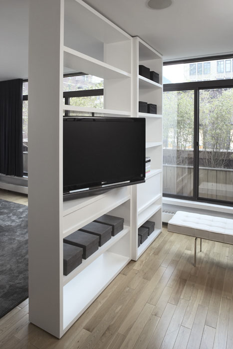 Rotating Flatscreen TV Modern Living Room Magdalena