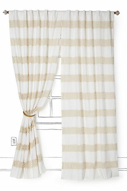 crochet spliced curtain i anthropologie com
