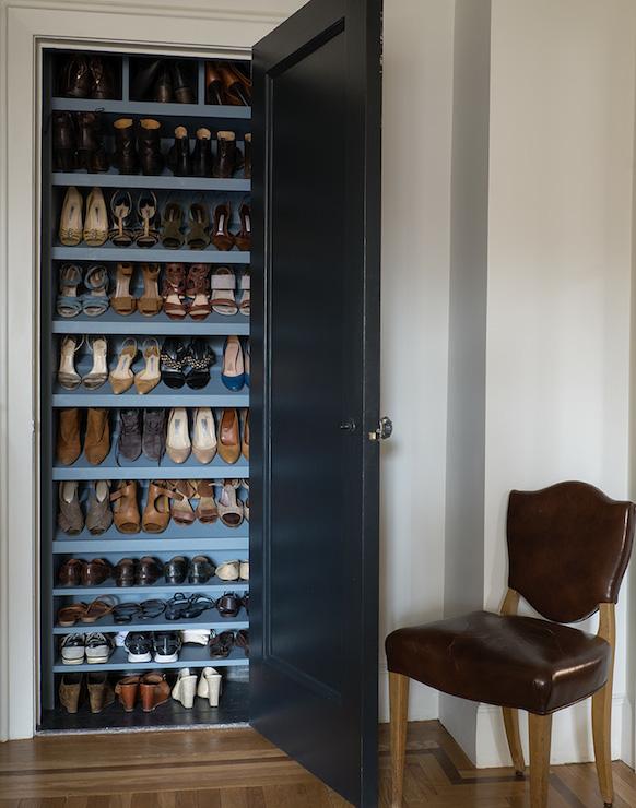 Slanted Shoe Shelves Design Ideas