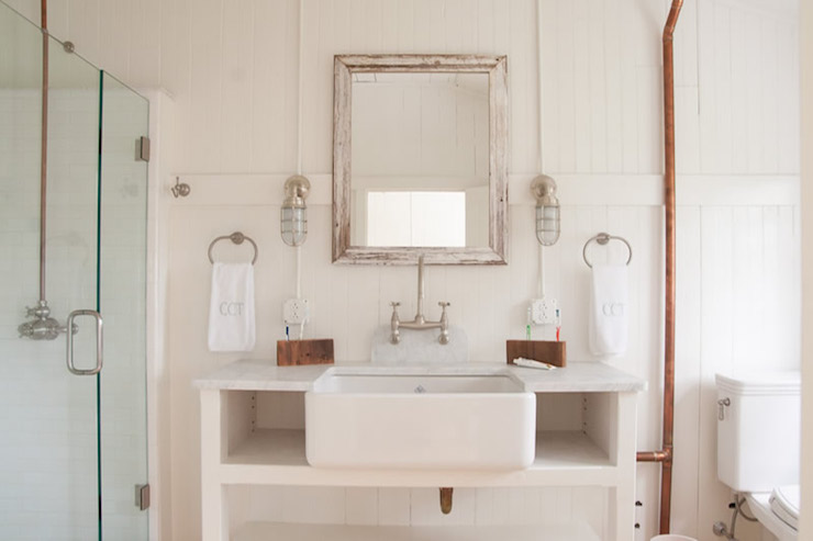 bathroom farmhouse sink - cottage - bathroom - hannah childs