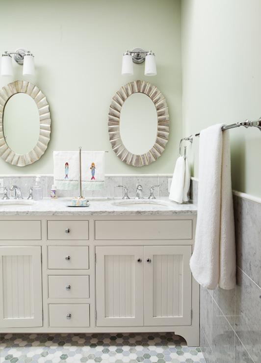 Pale Green Bathroom Paint Design Ideas