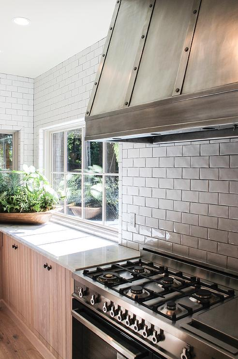 white subway tiles with black grout