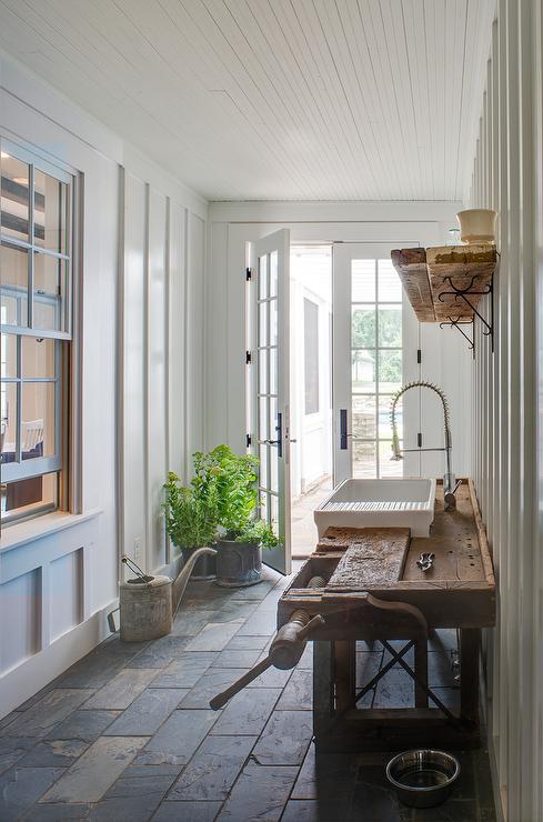 Mudroom With Garden Sink Cottage Deckpatio