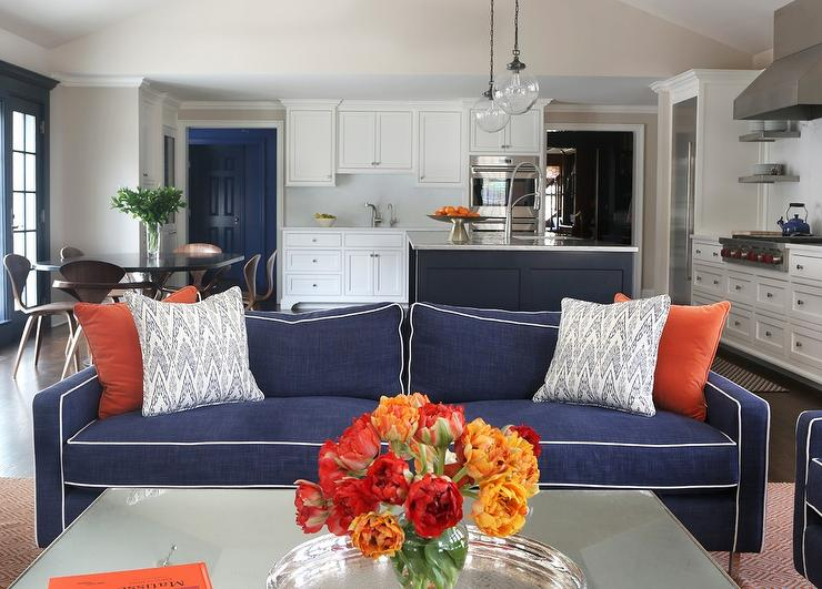 Decorating with blue and orange for Orange and blue living room ideas