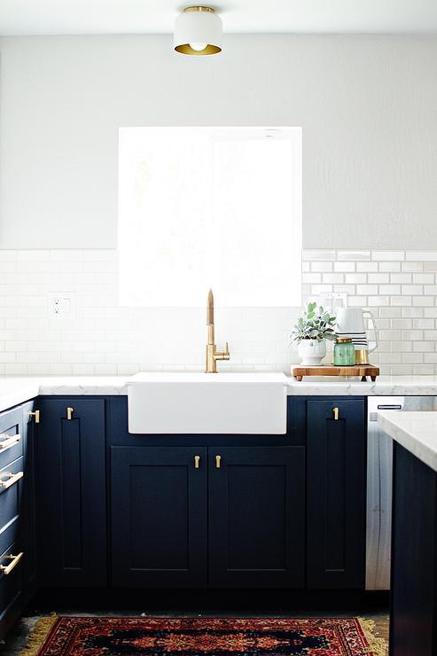 White Kitchen Gold Hardware