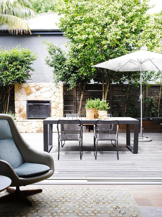 Modern Patio With Black Outdoor Dining Table And Chairs Modern Deck Patio