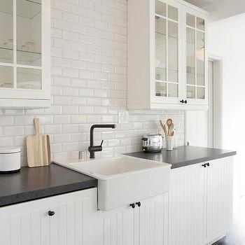 kitchen backsplash goes up to ceiling