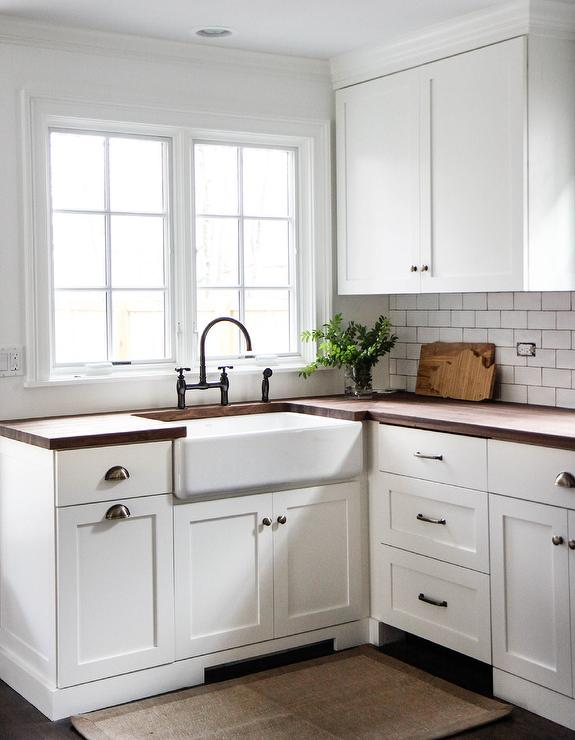 Vintage white shaker kitchen cabinets