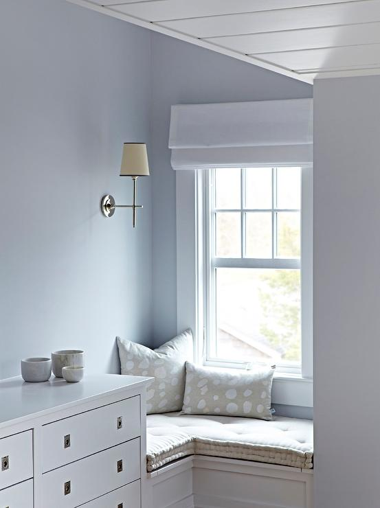 Bungalow Bedroom With Built In L Shaped Window Seat