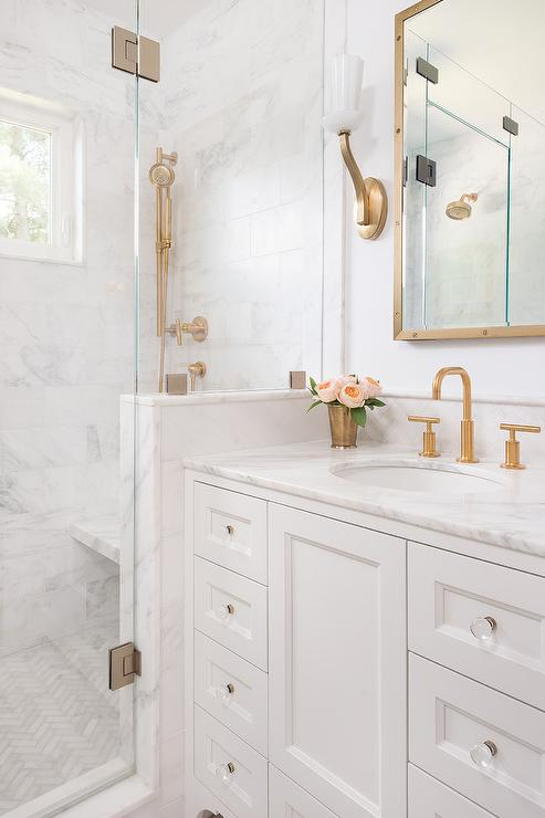 Marble With White Walls And Touches Of Gold Yum