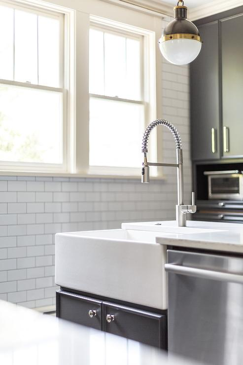 Corner Farmhouse Sink Design Ideas