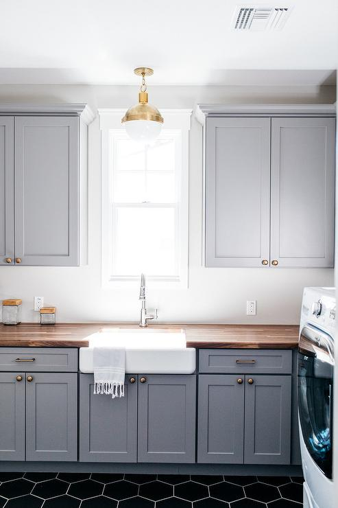 White Countertop Kitchen Design