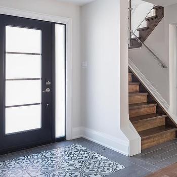 white and black quatrefoil foyer accent