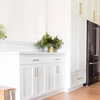 White Shaker Kitchen Cabinets Brushed Brass Cabinet Pulls Design Ideas