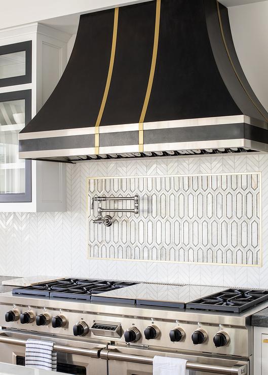 accent tile over range design ideas