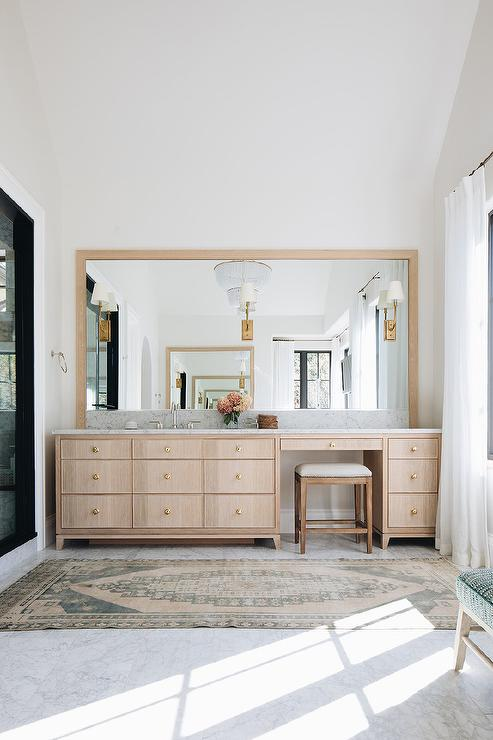 Light Brown Brushed Oak Makeup Vanity With Nailhead Stool Transitional Bathroom