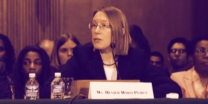 Government's Ban on Bitcoin Is 'A Fool': Hester Peirce by SEC