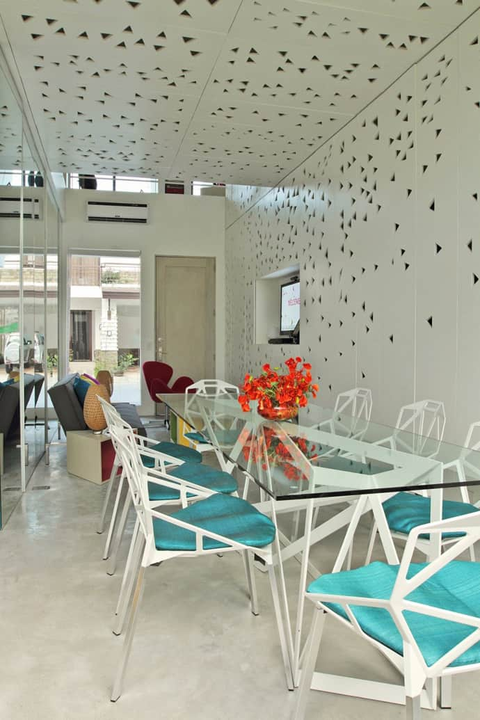 Burst Of Colors House By Buensalido Architects Philippines