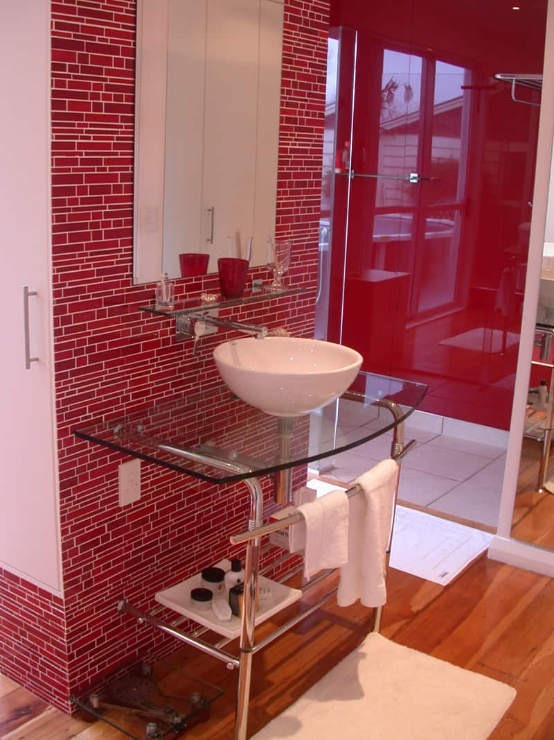 20 Red Bathroom Design Ideas