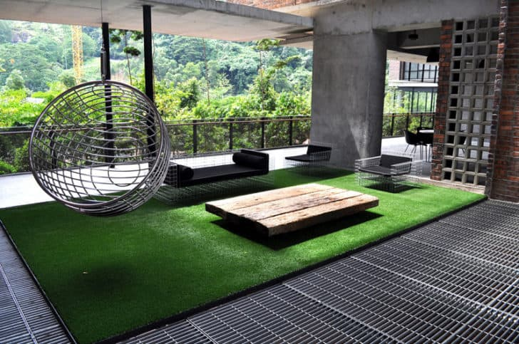 synthetic grass for dog run areas