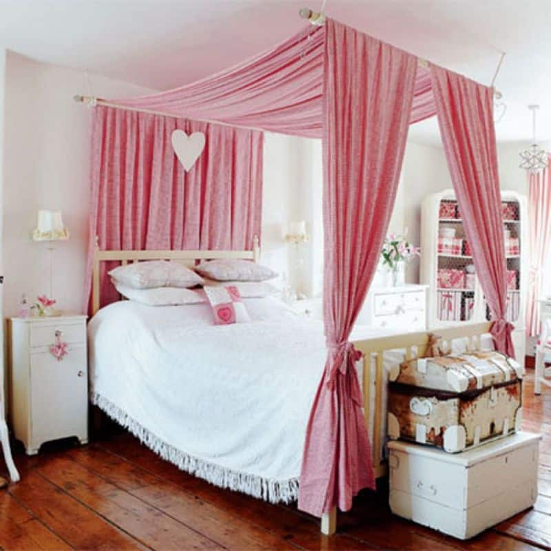 25 Dreamy Bedrooms With Canopy Beds You Ll Love