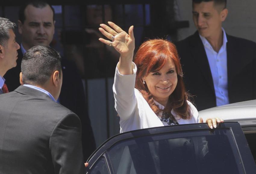 Cristina Kirchner involucró a Alberto Fernández y dijo que la historia la absolverá