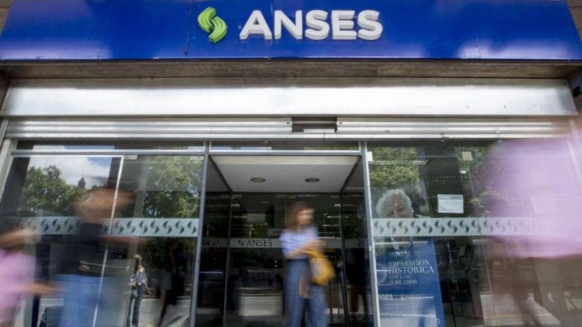 Cobro de bono de $10.000: cómo pedir en la Anses el código para cobrarlo sin CBU