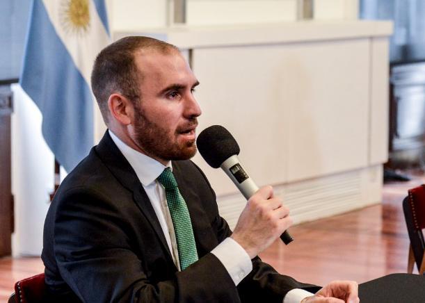 Gobierno: Ministerio de Economía anunció nuevas medidas de urgencia para contener el dólar