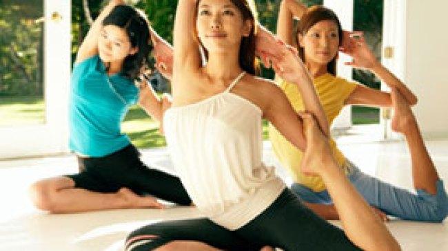 Gerakan Yoga Efektif Untuk Bakar Kalori