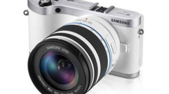 Wi-fi dan 3D pada Kamera Samsung NX300 Mirrorless