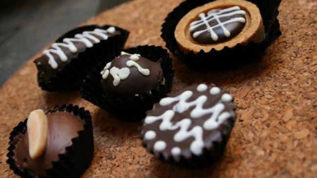 Resep Kue Coklat (Cokelat/Chocolate) dan Cara Pembuatannya
