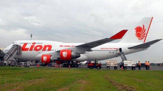 Gorontalo, Pesawat Lion Air Rusak Minor Ketika Coba Hindari Sapi di Landasan