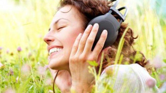 Dengarkan musik kesayangan, Jadikan Jantung Lebih Sehat